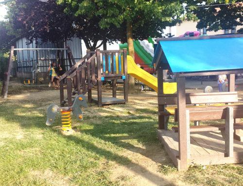 Quercegrossa: aperta l'area giochi per bambini con arredi in plastica riciclata